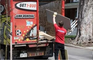 Photo of How Real Estate Professionals Make Smooth Closures With the Help of Garbage Removal Services