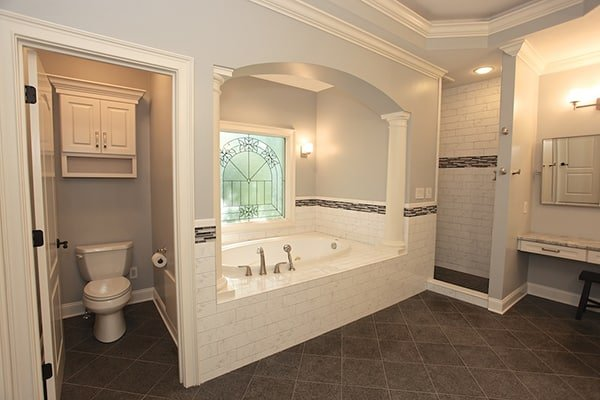 Top 5 Reasons to Hire an Experienced Bathroom Remodeling ...