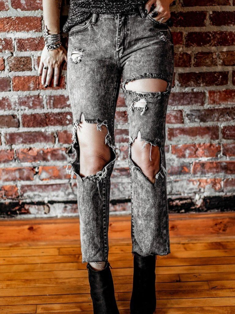 Knee Hole Ripped Cropped Straight Jeans